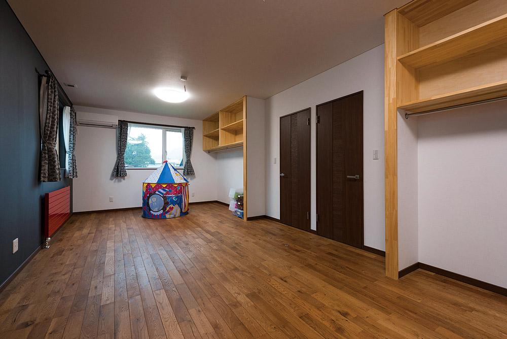 来年1月に第3子が誕生。一番広い子ども部屋は将来的には仕切り壁を立てることも想定している