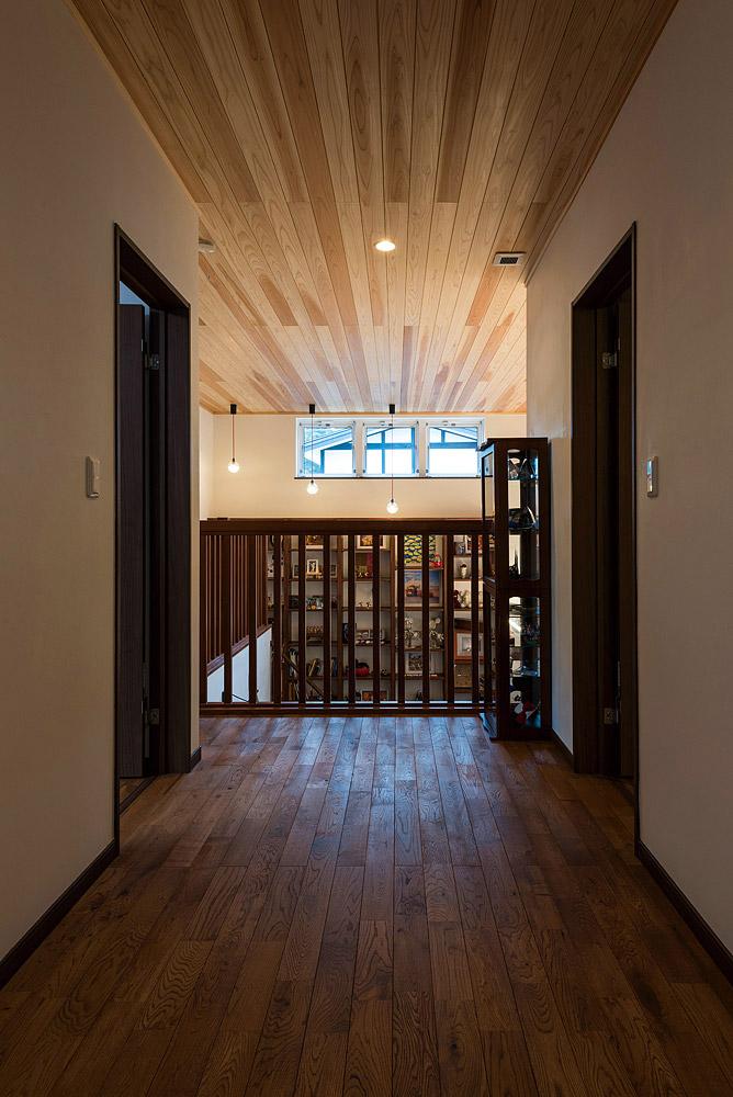 2階は家族のみが利用するプライベートゾーン。主寝室のほか子どもたちの部屋、トイレも設置