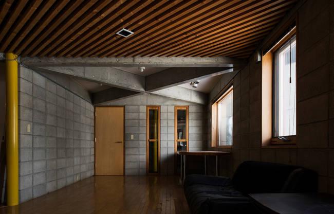 現在は編集長の自宅として使用している『Replan House』