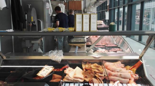 ハカニエミマーケットの肉屋