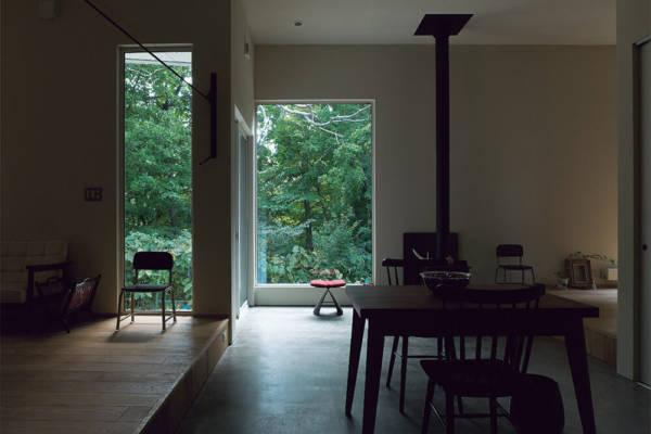 土間を境界に、ゆるやかに室内を区分 平屋土間の家