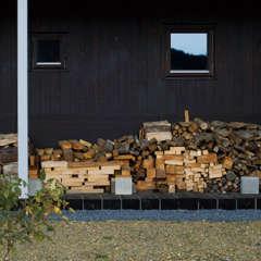 針葉樹はNG?健やかな薪ストーブ生活は、正しい薪選びと燃やし…