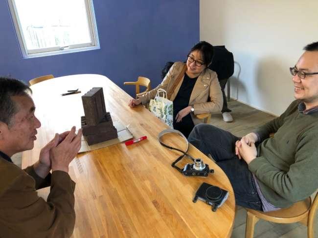 リプランの新オフィスで行われた「さよなら蓄暖プロジェクト」のミーティング風景
