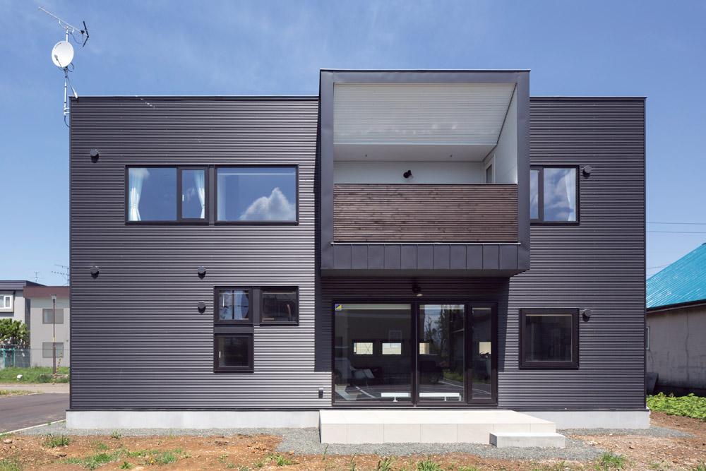 外壁のデザインに合わせて、色をコーディネート