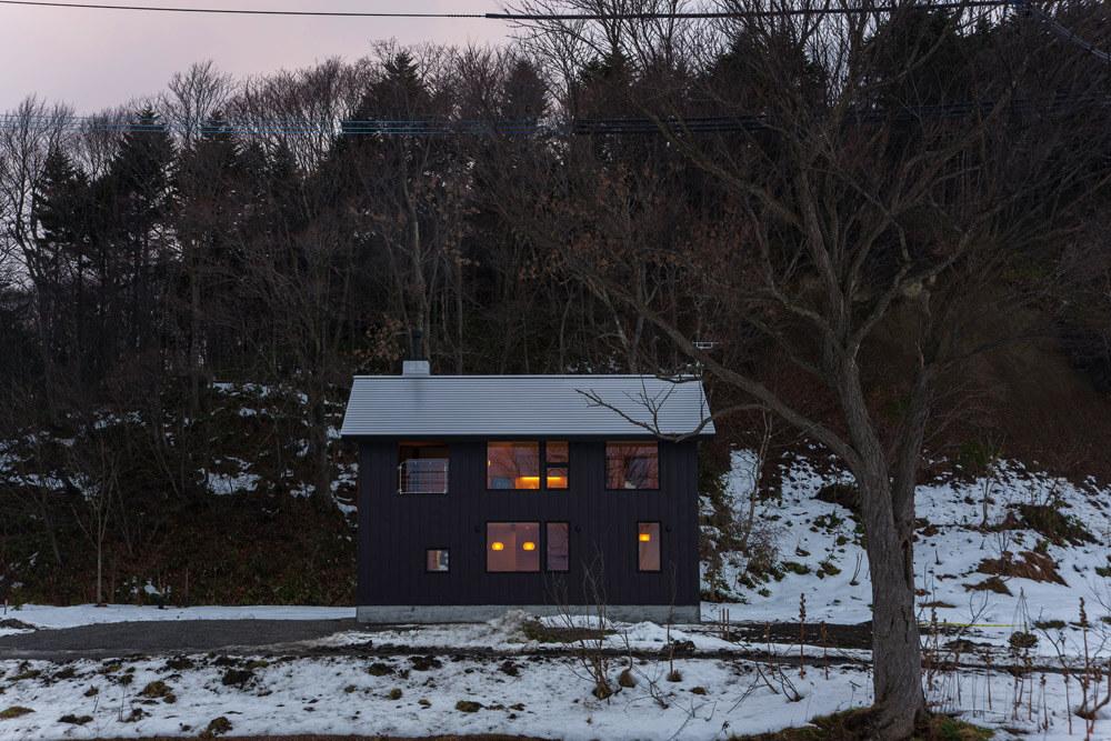 当別田園住宅に移り住んでいる知人たちがいて、ご自身も自然豊かな田舎暮らしを実現したいと思い移住を決意。田園住宅のコミュニティは心強いという(当別町・Kさん宅)