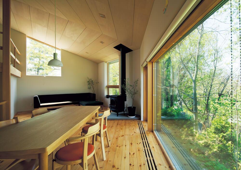 断熱性能に優れるため、このように大きな窓の設計も可能