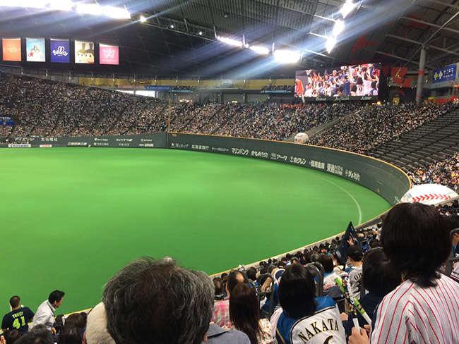 札幌ドームで、セ・リーグ、パ・リーグの交流戦