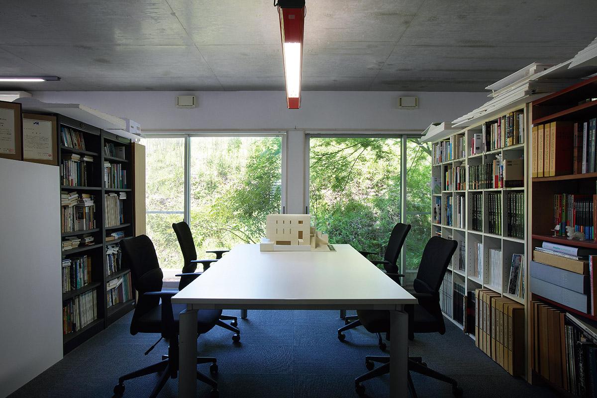 事務所2階の打ち合わせスペース