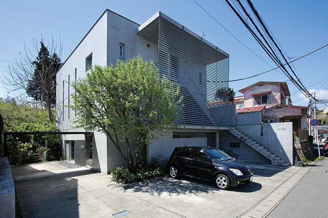 閑静な住宅地内に建つ松本純一郎設計事務所「M cube」