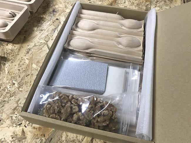 旭川デザインウィーク・プロが削る木のスプーン達
