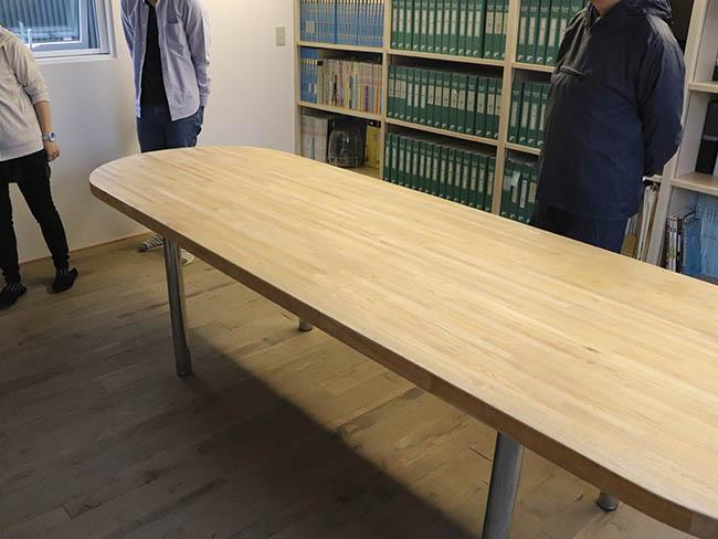 塗装前の大テーブル