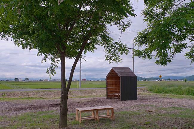 工場見学に来たゲストが一息つくためのあずまや的な小屋