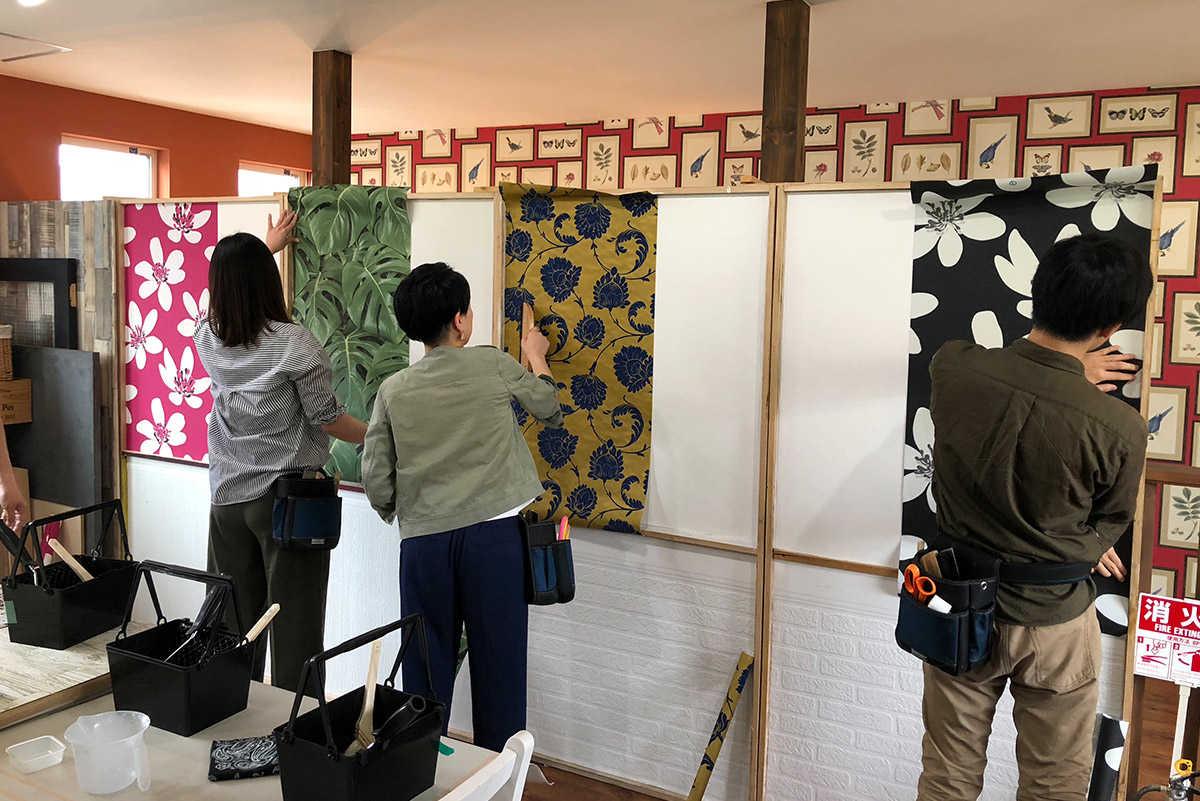 壁紙貼り体験に行く-リプランのDIYプロジェクト