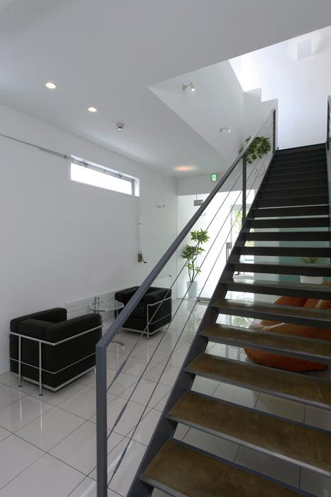 エントランスホールと階段