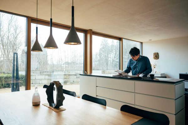 スイスと日本建築から学んだ、 家づくりの「原理」について 〜佐藤 欣裕さん