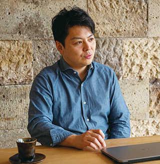 佐藤 欣裕 Sato Yasuhiro