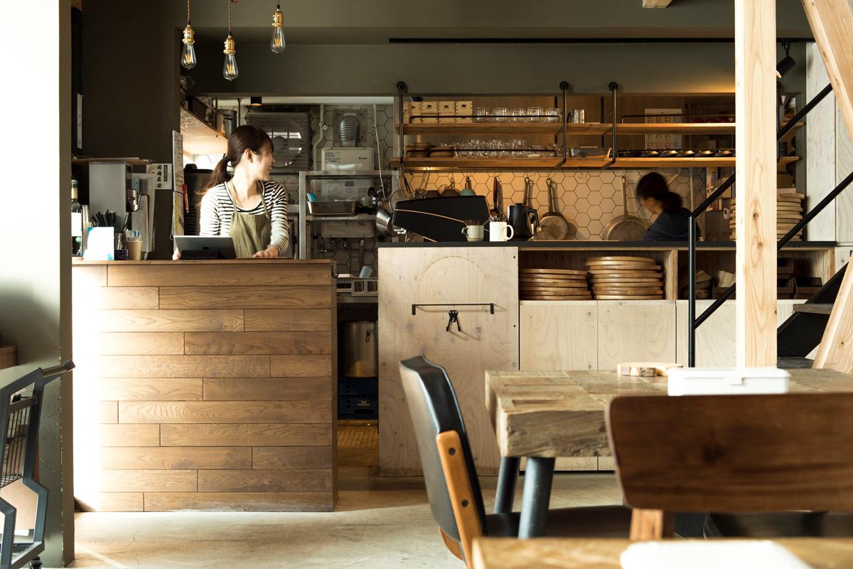 ナチュラルビンデージなカフェ店内