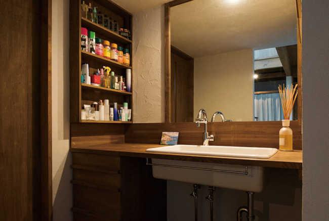 造作仕様の洗面コーナー