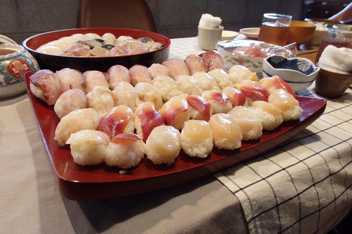 社長食堂で振る舞われる、にぎり寿司