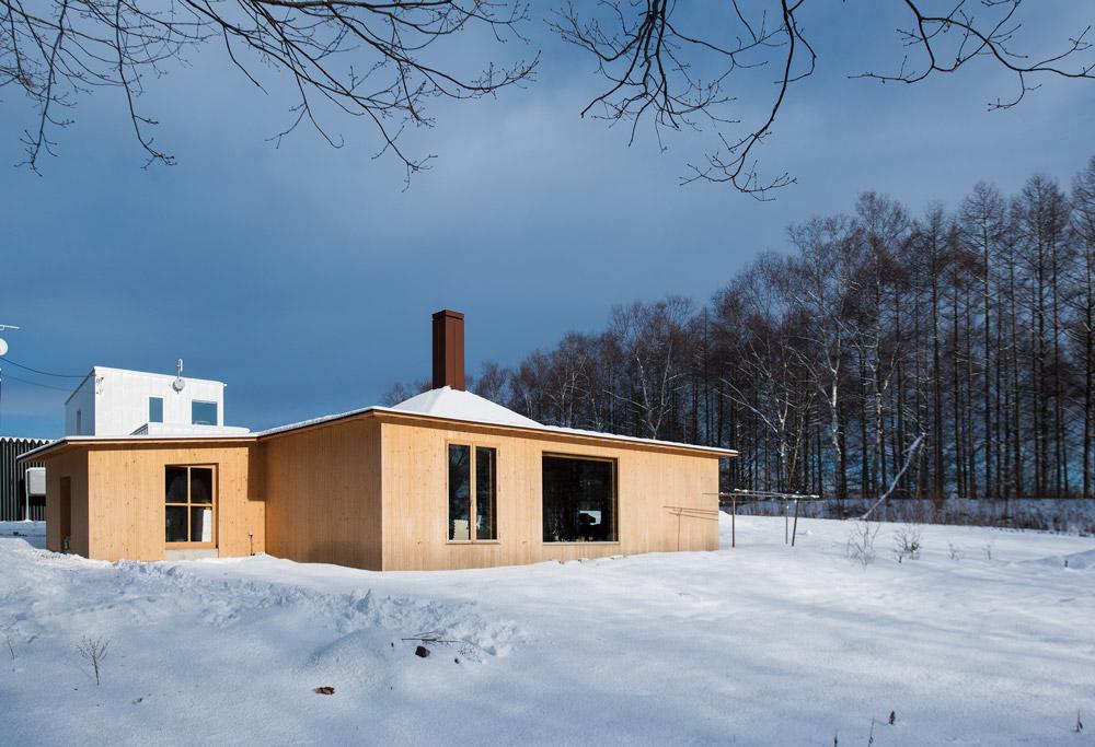 のびのびと暮らせる自然豊かな環境に建つ平屋の住まい