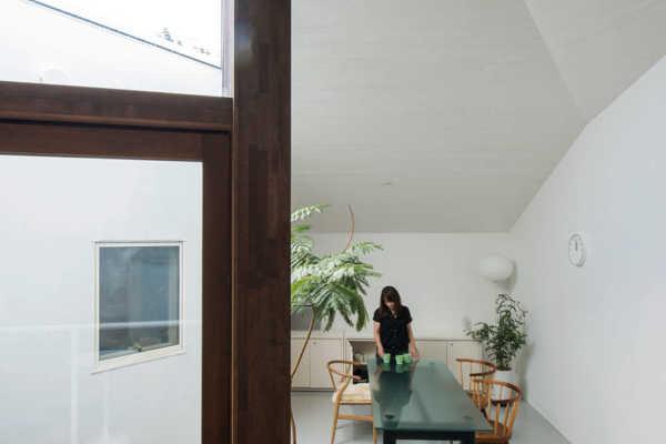 インテリア・家具好きの理想を追求でき、価値も続く家