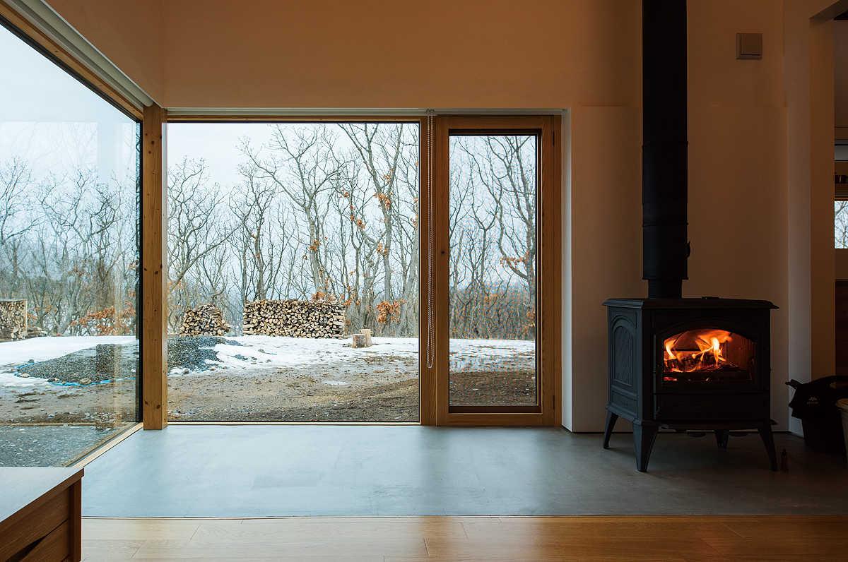 断熱・気密がきちんとされていれば、広い窓や高い天井なども可能に