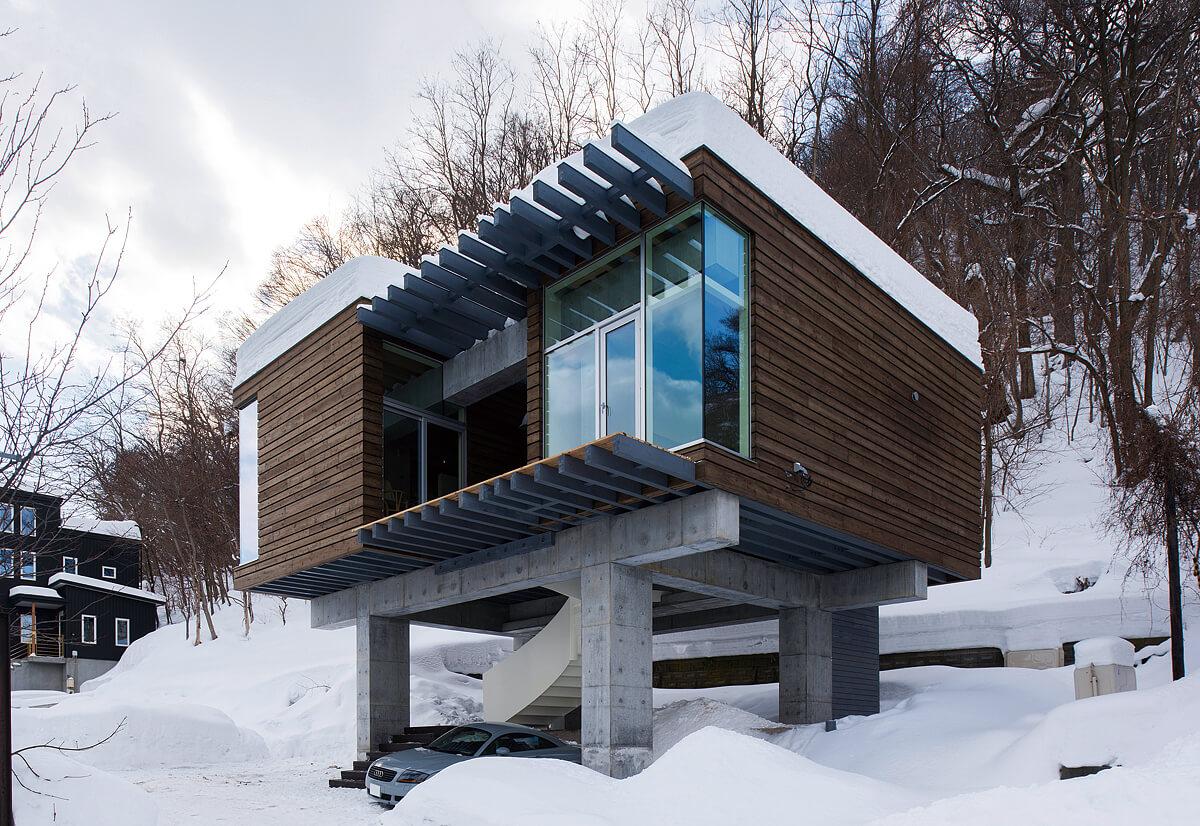 神社山の隠れ鳥居の家外観