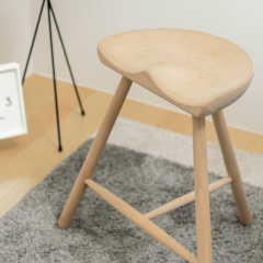 座りやすくてカワイイ!デンマークデザインのスツール 〜 シュ…
