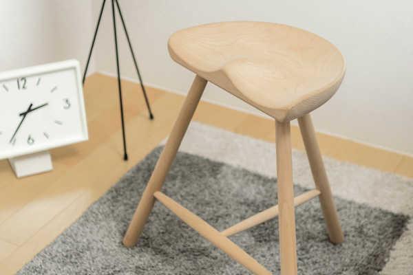 座りやすくてカワイイ!デンマークデザインのスツール 〜 シューメーカーチェア