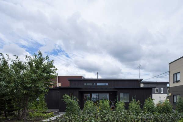 「中古の丸太小屋をリノベ」「パッシブ換気の健康住宅」 厳選!札幌と小樽の個性的な住宅3事例