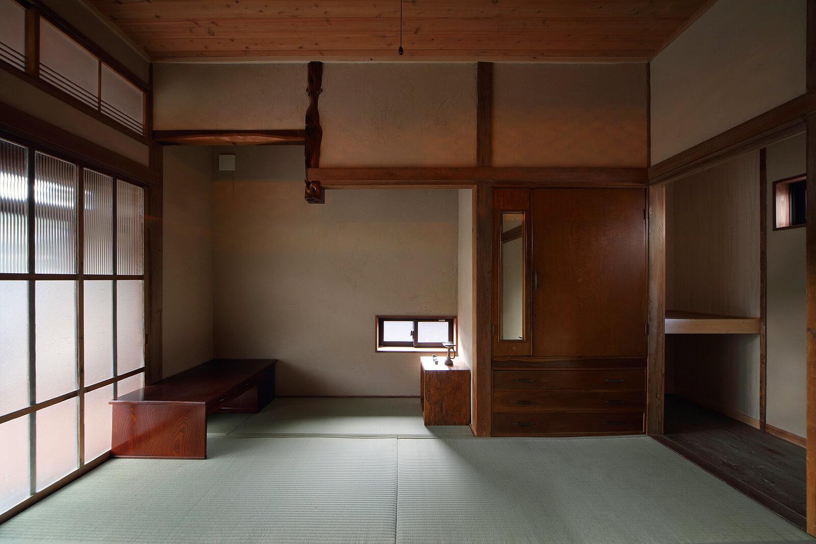 西側和室。元々は続き間だったが、間仕切りをつくってAさんのプライベートルームに