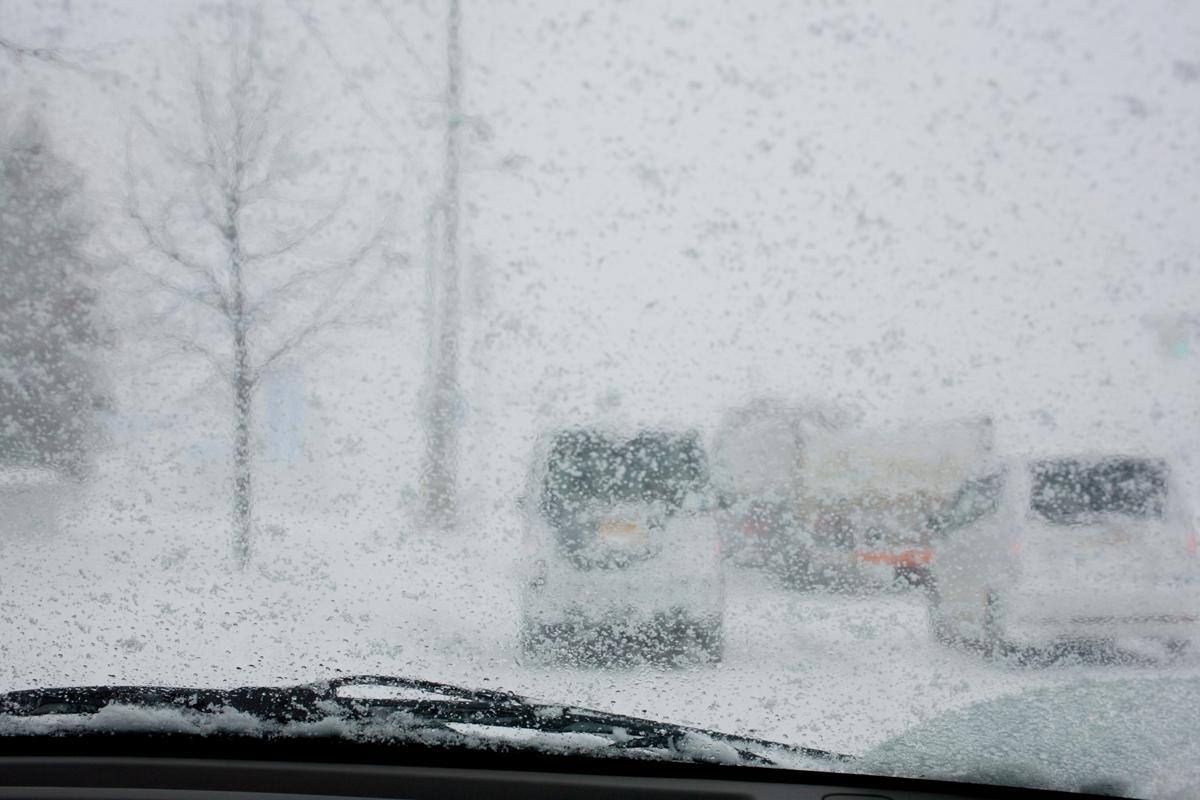 大雪の日の渋滞