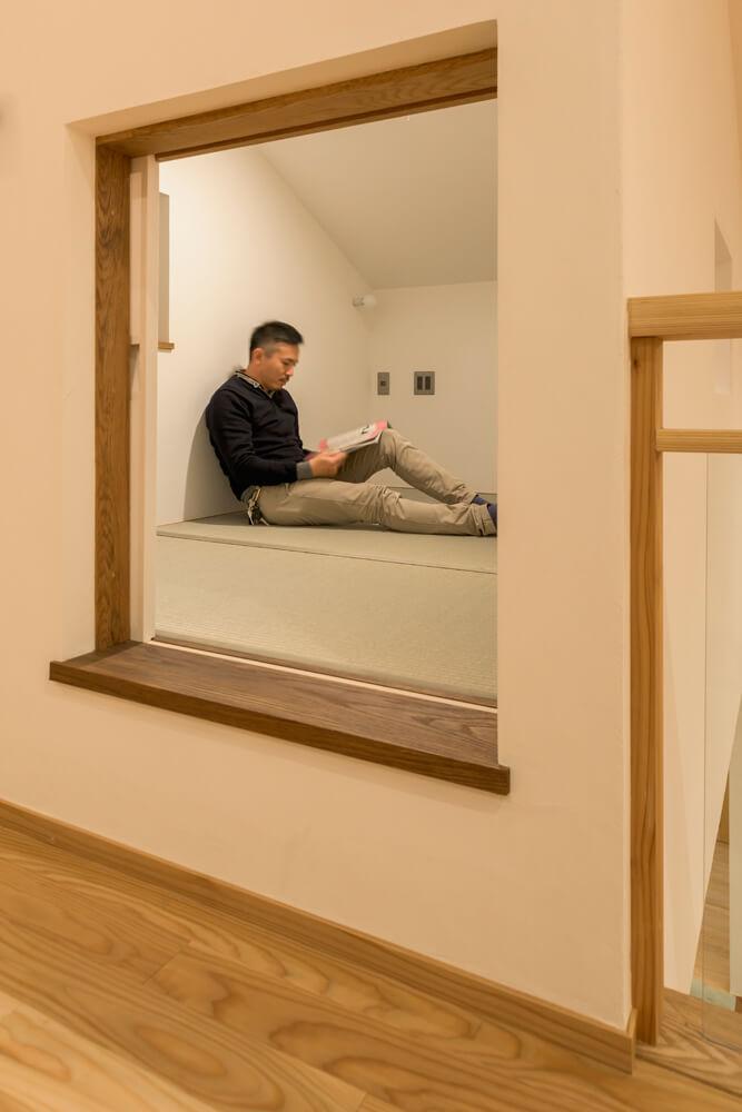 3畳の小部屋はにじり口にして隠れ家感満載。畳敷きでゴロゴロするのにぴったり