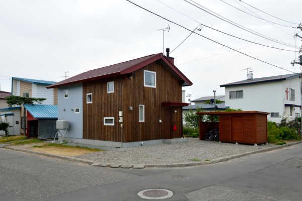 プロ目線の提案に住んで納得! 地産地消のカラマツの家