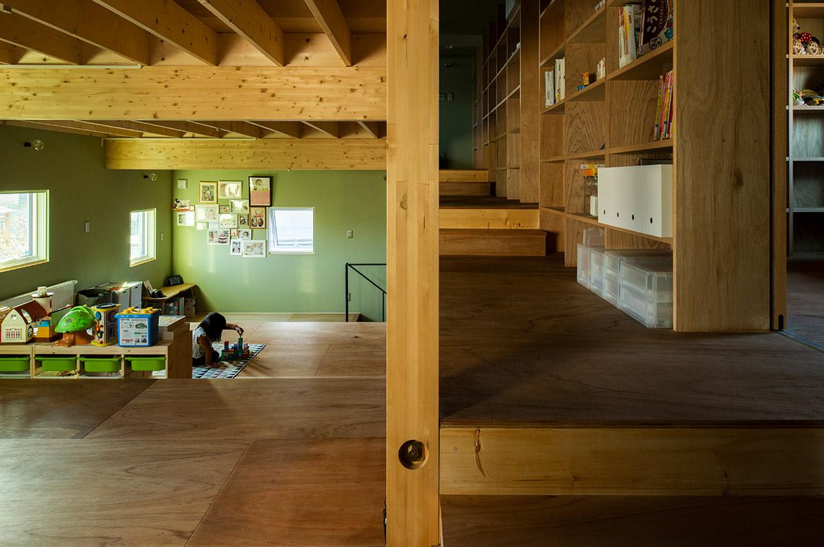 床面の仕上げや階段が多くなるスキップフロアでは、その分のコストも考えたプランニングが必須となる