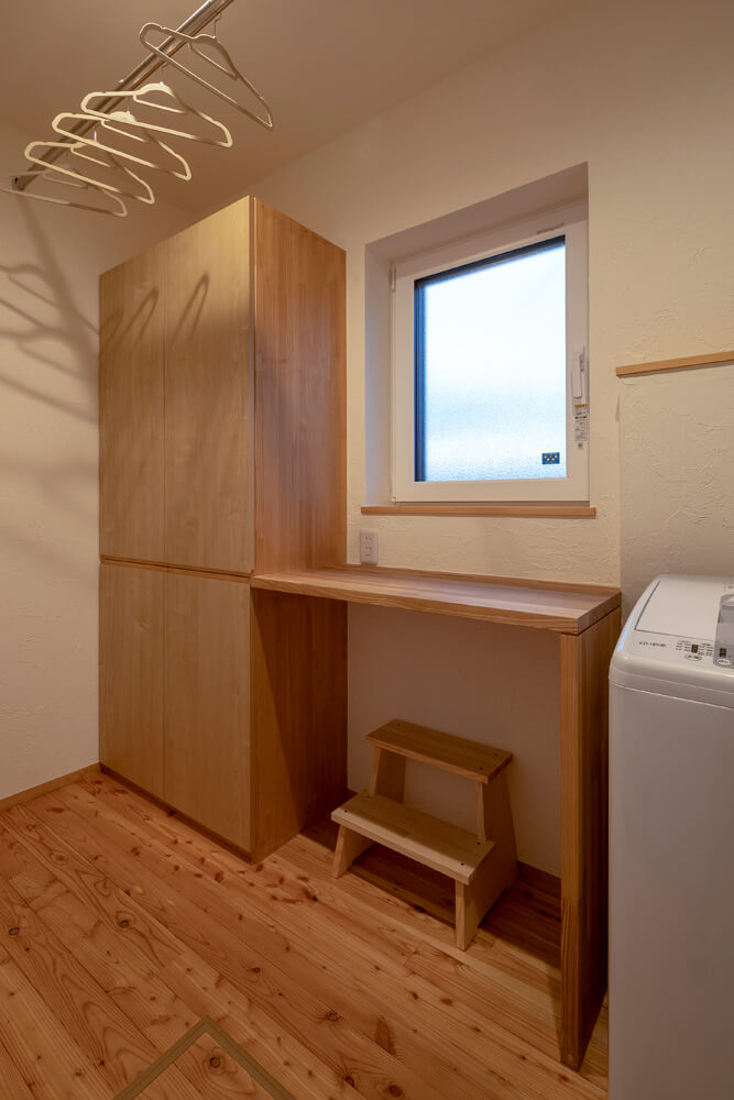 家事効率をアップしたいという要望に応え、ユーティリティには家事カウンターも