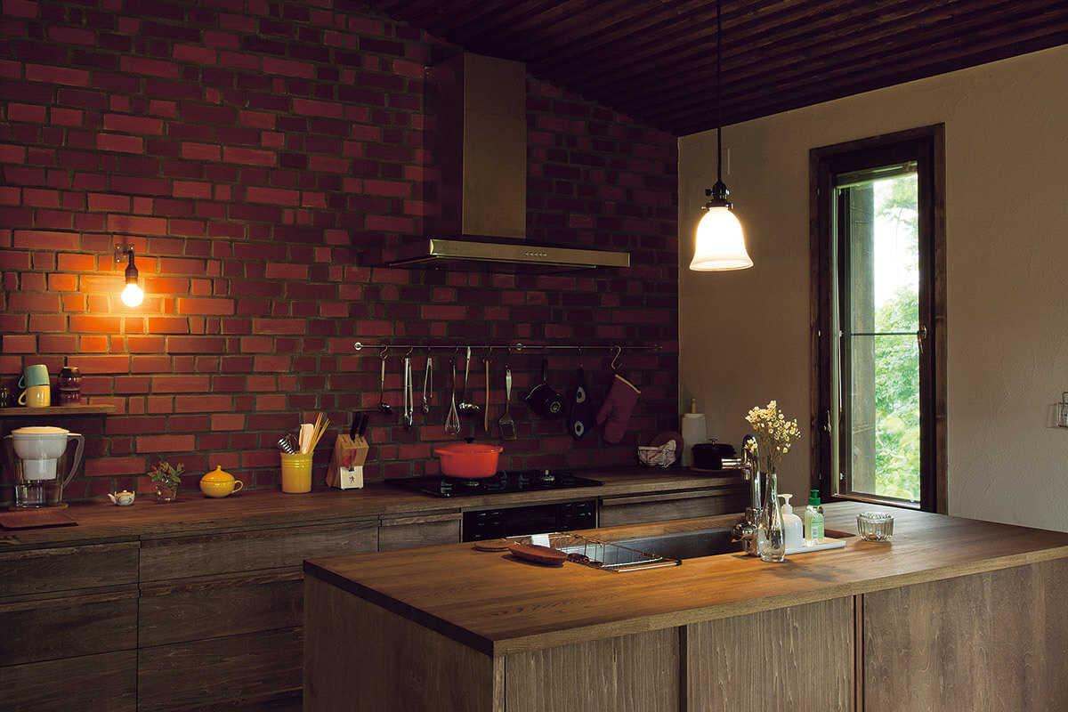 レンガ壁のキッチン