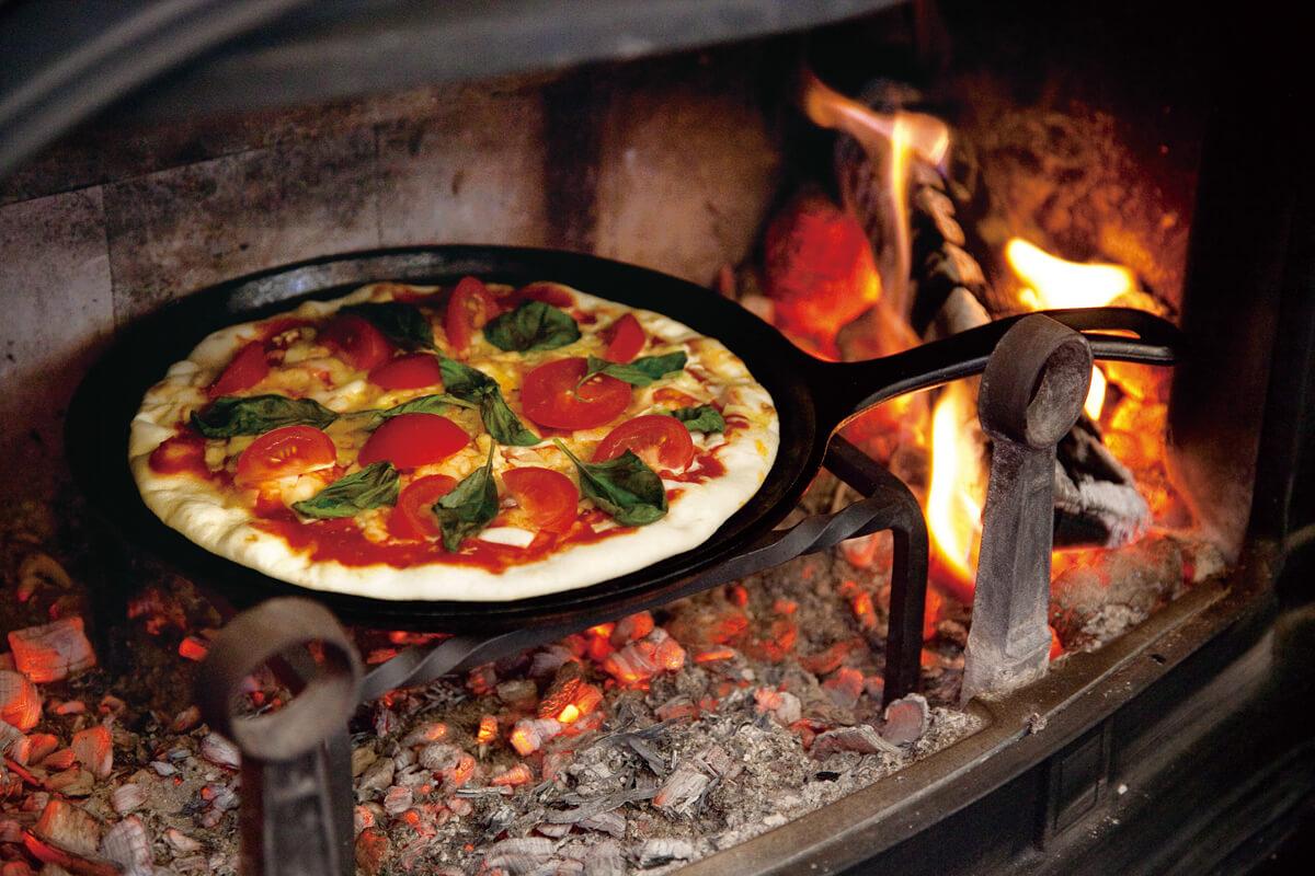 薪ストーブで作ったピザ