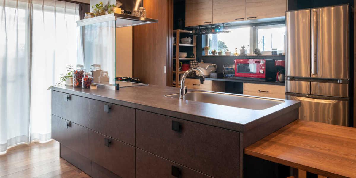 「キッチンからはじまる家づくり」「自然素材のゼロエネ住宅」 快適な暮らしを叶える岩手県の高性能住宅3選