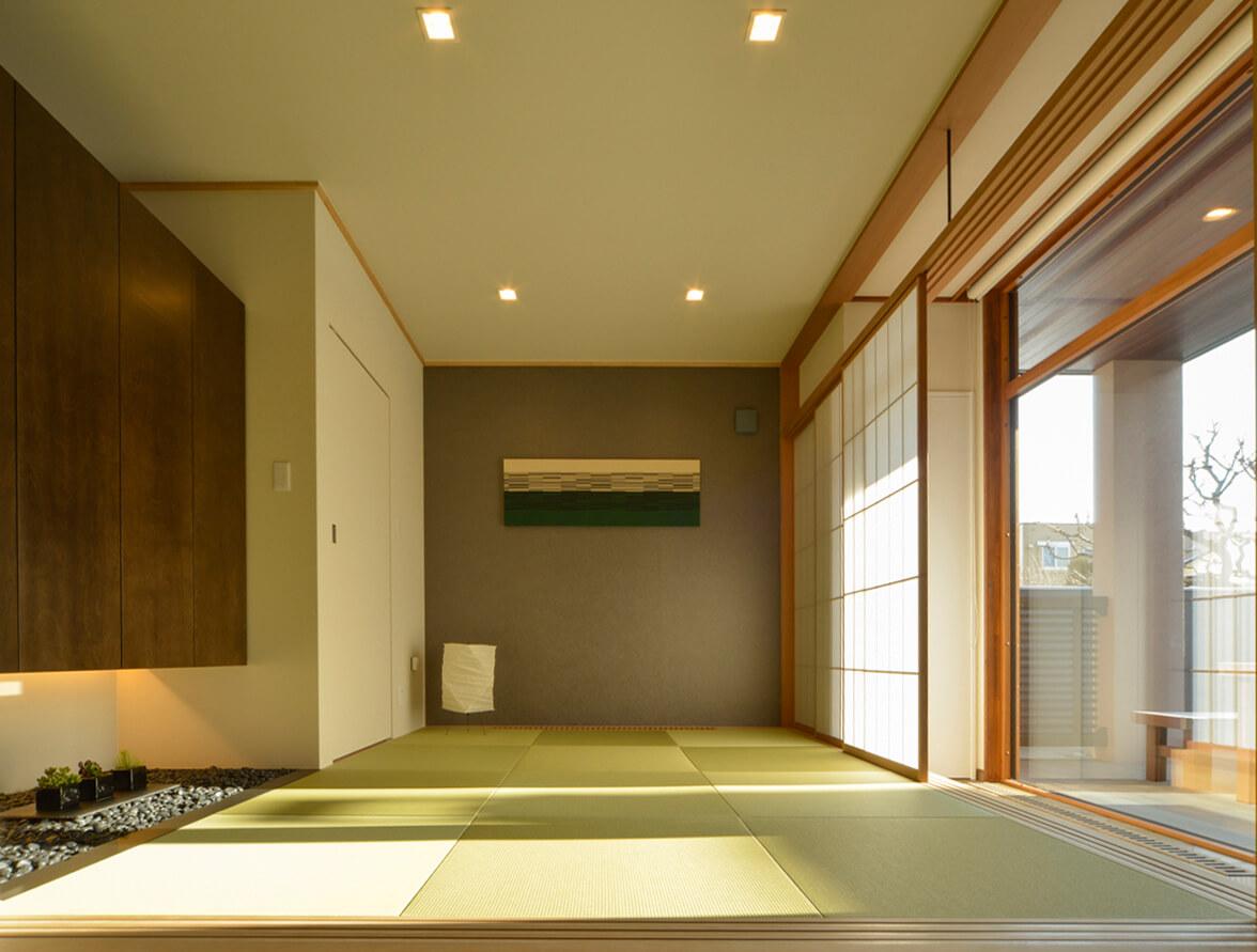1階にある小上がりの和室はゲストの寝室にも。落ち着きのある和の雰囲気が空間のアクセントになっている