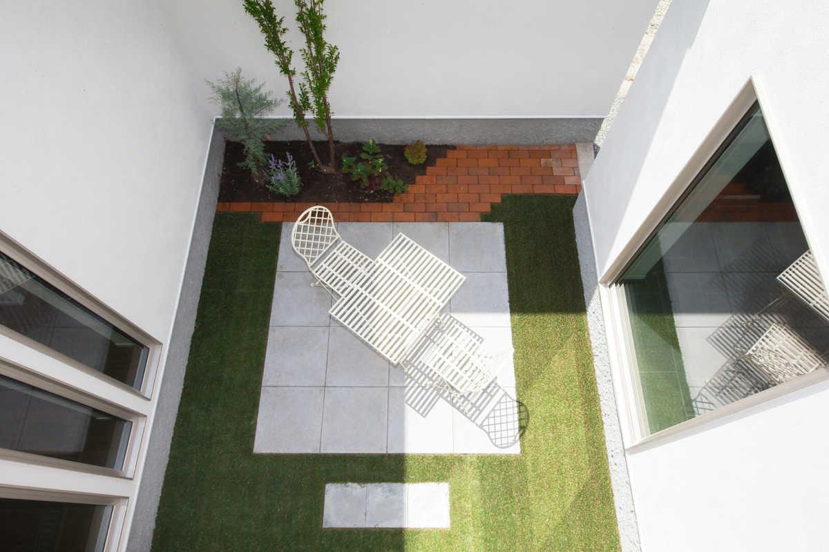 中庭は、周りを気にせずゆったりとリラックスできる完全なプライベート空間