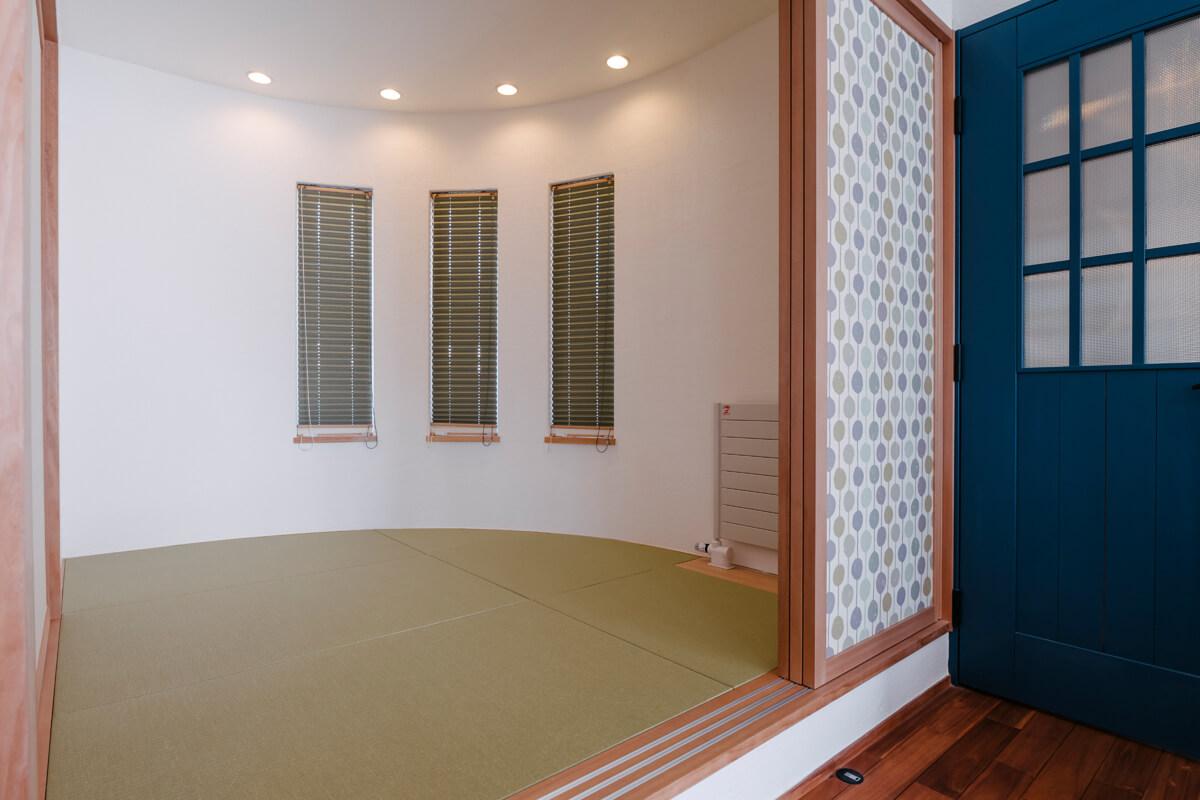北欧デザインと調和させた、新しいデザインの小上がり和室