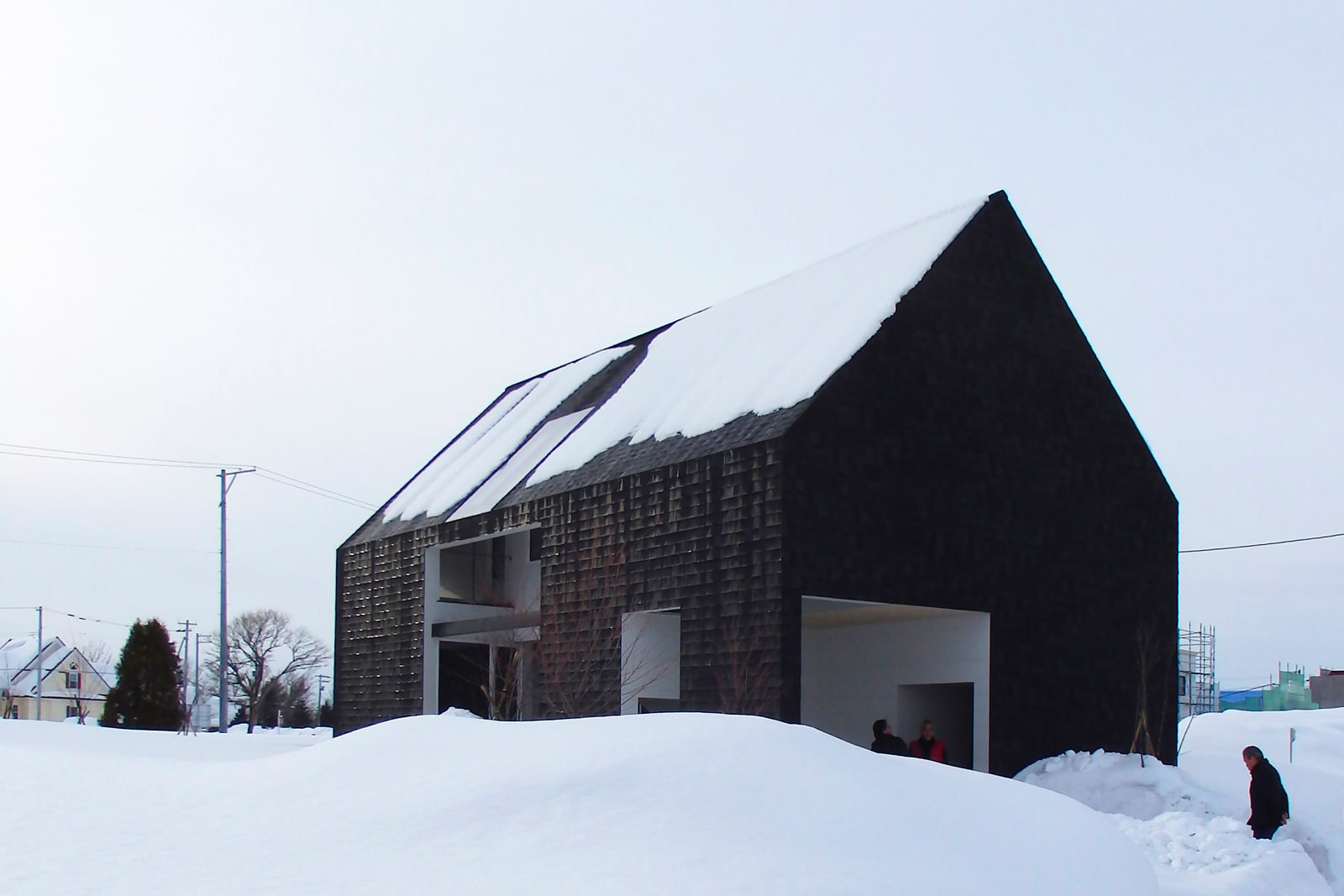 アクト工房×ATELIER O2「Inside-Out」<br /> アウトドアを身近に感じられる家。夏場は半屋外のテラスでグランピング気分が味わえる