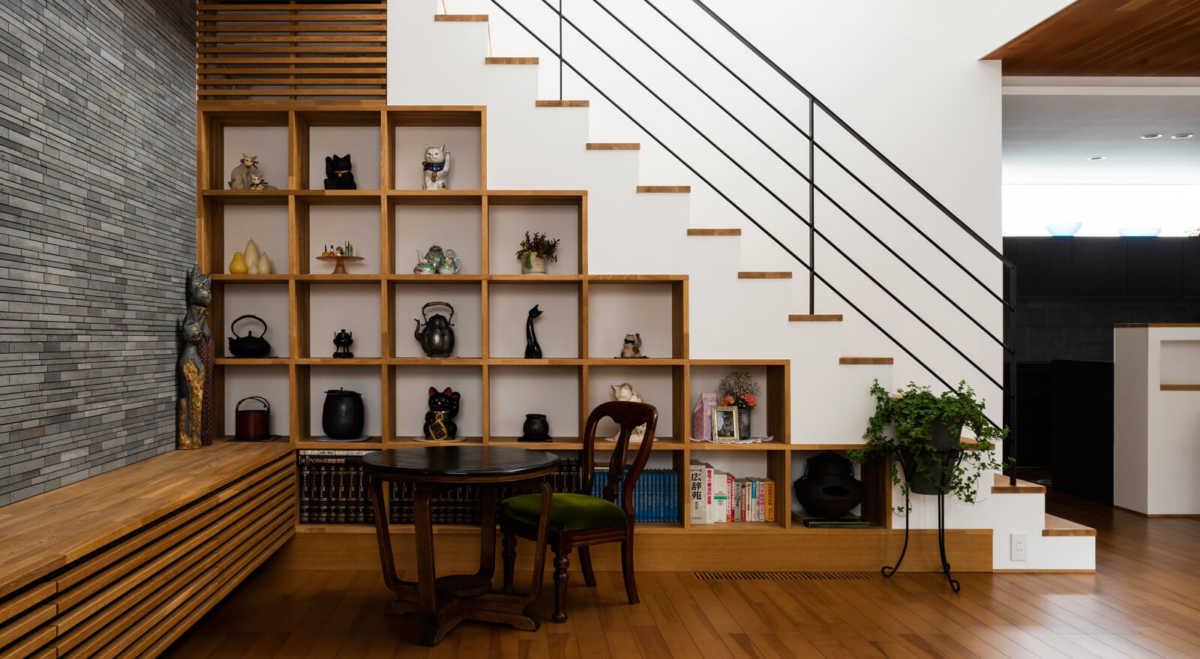 階段下収納で、デッドスペースを有効活用。