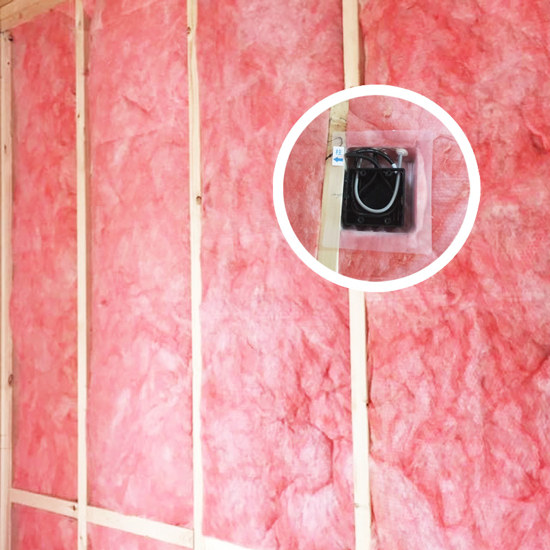 プラスワイドの家は、高断熱・高気密を徹底している。しっかりと隙間なく充填されてこそ、性能を発揮できるものですので一切妥協することなく施工している