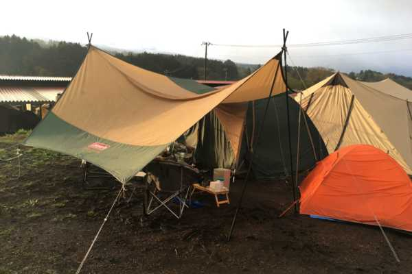 はじめてのキャンプは大雨でした。