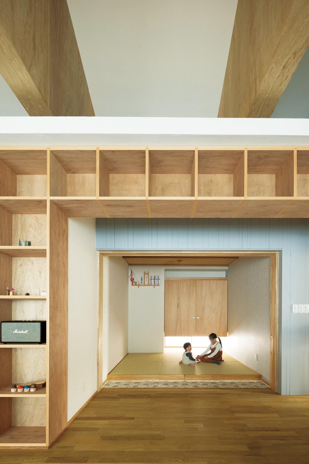 Fさんの要望のひとつだった和室。奥さんが好む北欧テイストにも調和するよう、大ぶりの琉球畳や一部にタイルが使われている