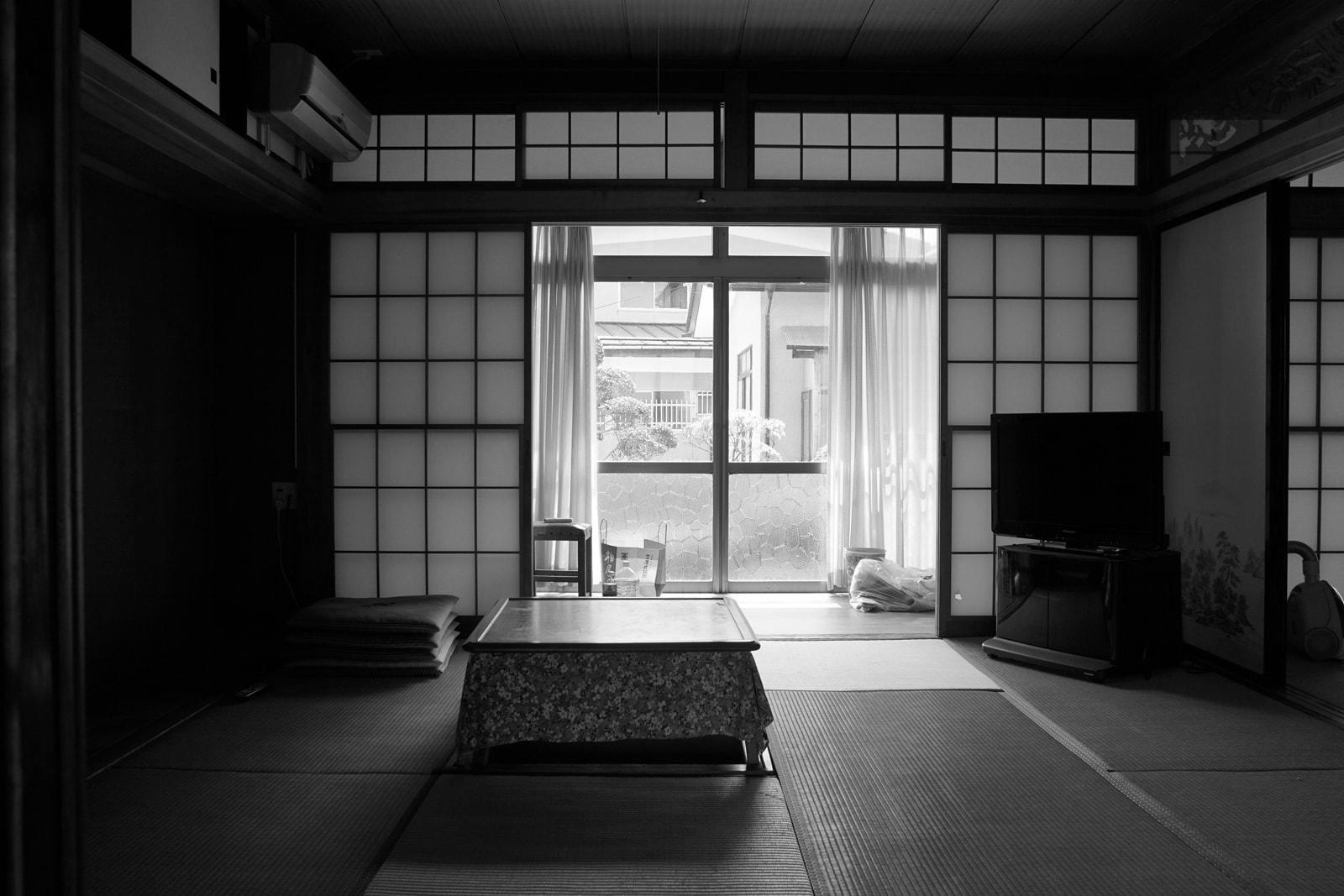 個室とほぼ同じサイズで開放感が足りなかった既存の居間