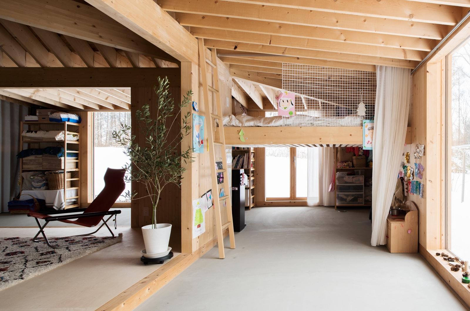 動線上に部屋があるおかげで、リビングはもちろんほかの空間とも自然につながる