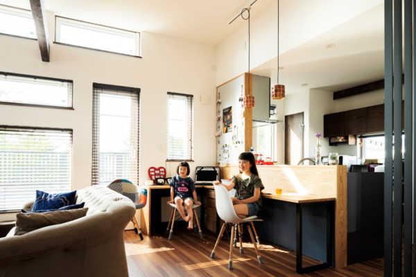 大好きなものに囲まれたアイデアあふれる二世帯住宅